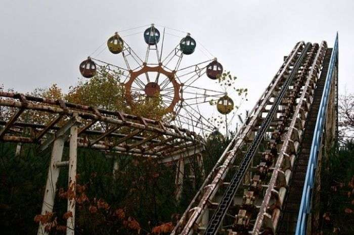 Занедбаний парк розваг (40 фото)