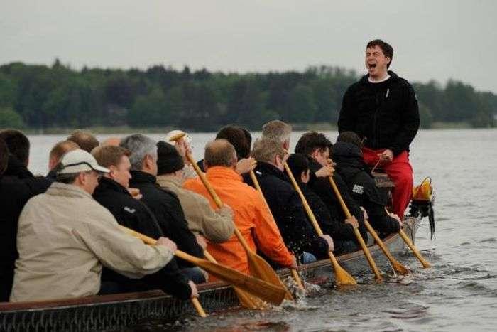 Човен з міністрами перекинулася в Німеччині (15 фото)