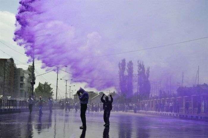 Кольорова вода для демонстрантів (17 фото)