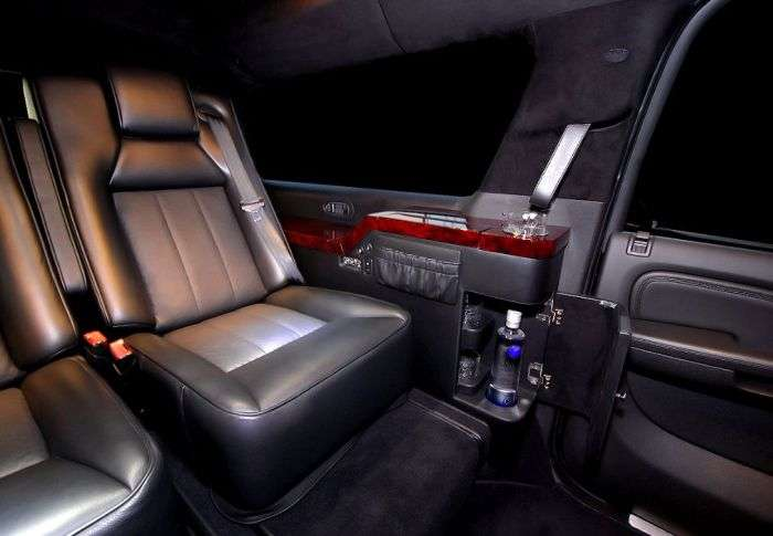 Приголомшливий Cadillac Escalade (22 фото)