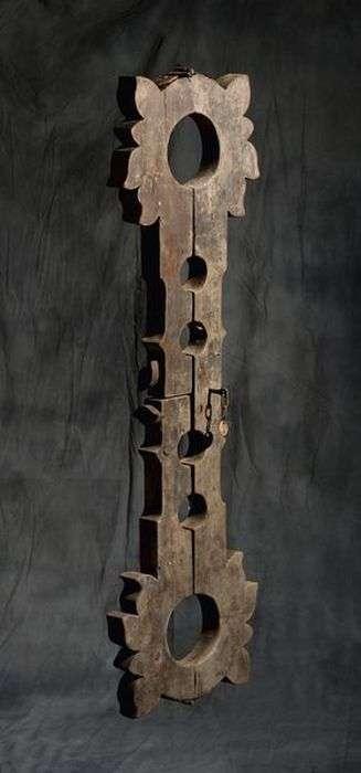 Знаряддя тортур останнього ката Алжиру (74 фото)