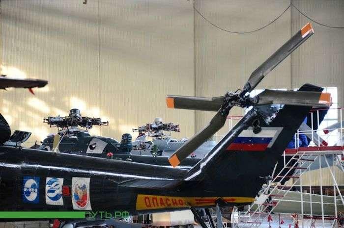 Як збирають вертольоти (18 фото)