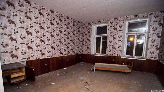 Покинутий готель в Києві (40 фото)