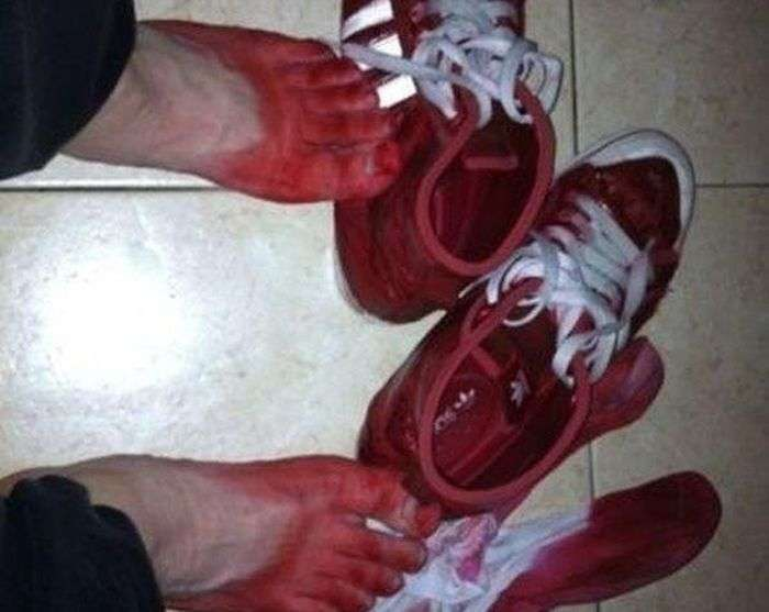 Китайські кросівки (2 фото)