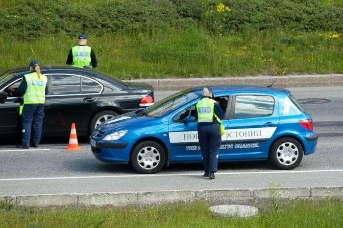 Поліцейська акція в Талліні (12 фото)