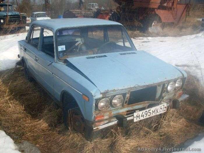 Кладовище автомобілів в Ленінградській області (17 фото)