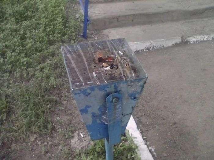 Антитерористичні урни на Україні (3 фото)