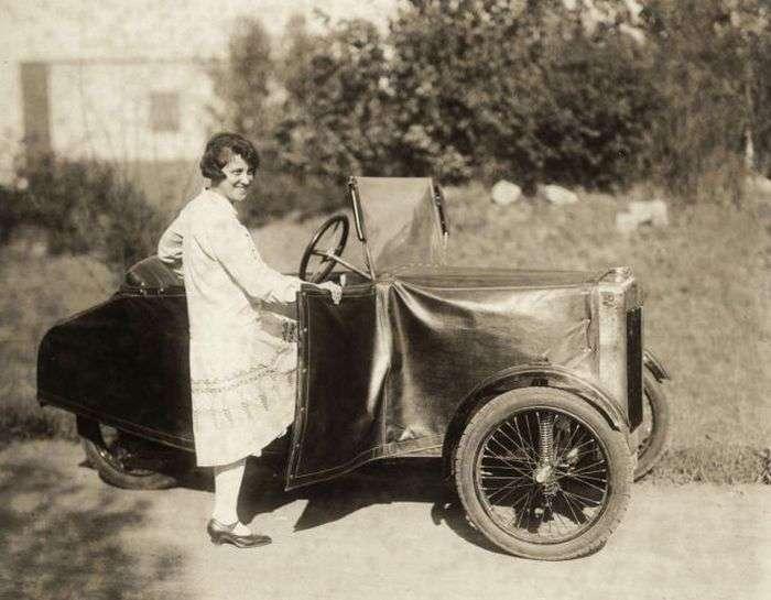 Розбірної ретро-автомобіль (4 фото)