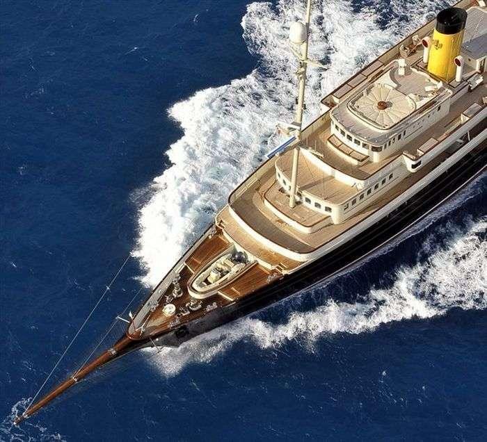 Шикарна яхта Nero (15 фото)