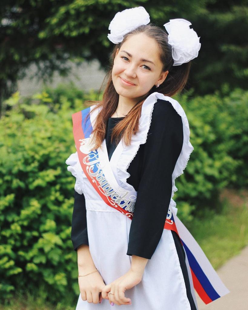 Российские выпускницы покрасовались на
