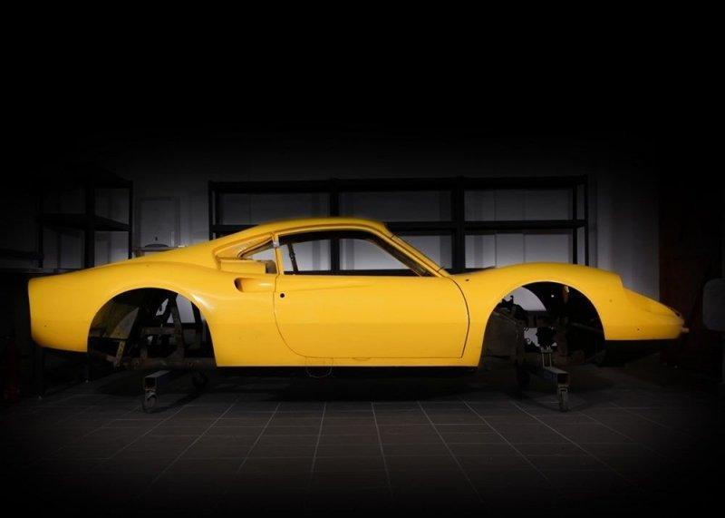 Ferrari Dino 1972 года: 60 коробок запчастей на продажу   Интересное