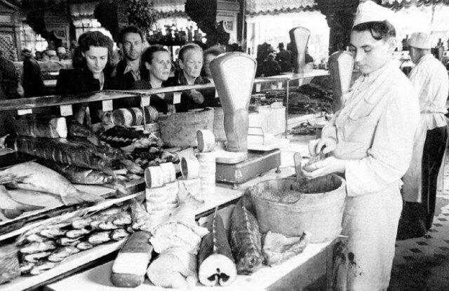 Граждане СССР ели мясо почти даром, а деликатесную рыбу скармливали кошкам