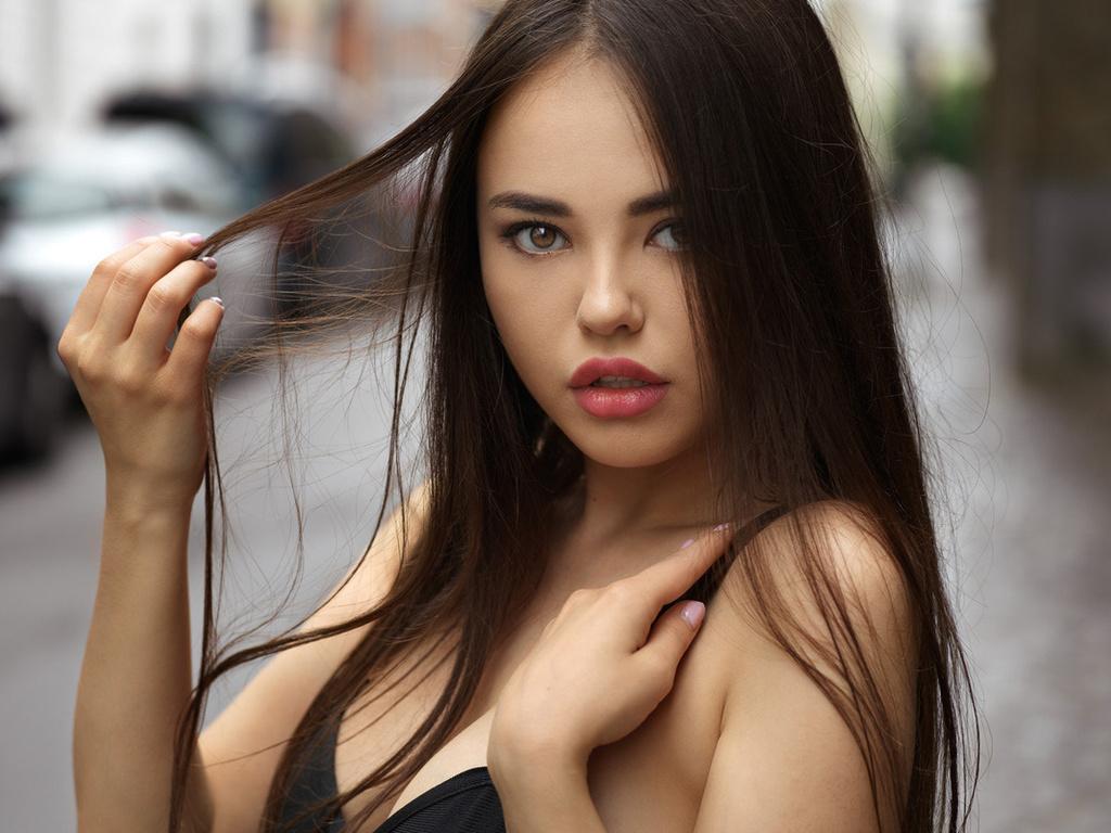 В каждой женщине есть своя изюминка - стоит только рассмотреть красивые фотографии,прикольные картинки,шикарные фотографии